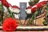 Aşık Veysel, ölümünün 48'inci yılında mezarı başında anıldı
